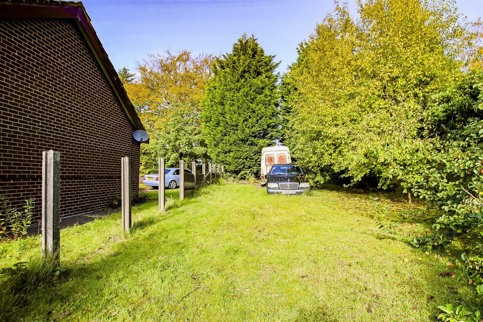 5 Bedroom Building Plot Land For Sale - Image 9